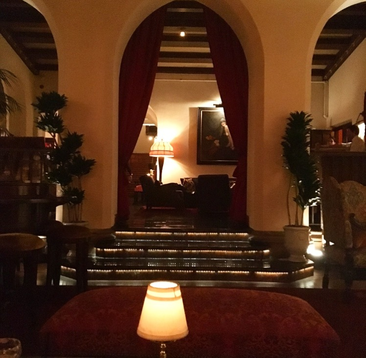 manolos-and-martinis-by-georgia-burke-chateau-marmont-manolosandmartinis-com